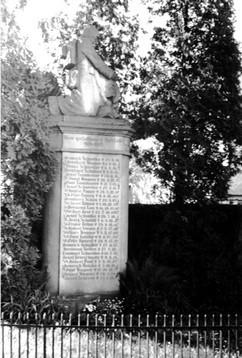 Kriegerdenkmal 1. WK, neben der Friedenseiche von 1871, (RL)