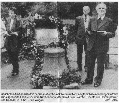 Vor Einschmelzung gerettete Glocke nach Irrwegen in Einbeck angekommen, EM 14.06.1989, Lokales