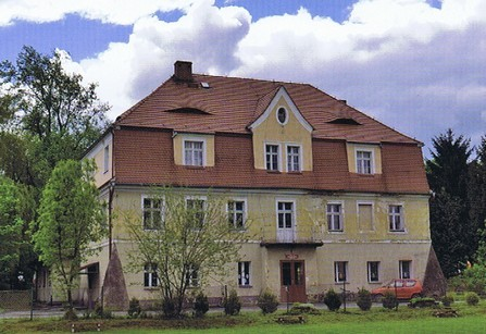 Herrenhaus  (HR)