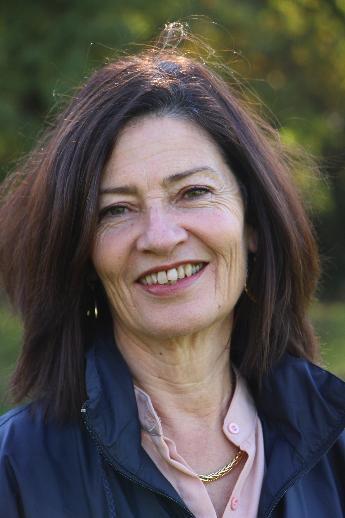 Catherine Aknine Mouchnino, 62 ans, Enseignante à l'Ecole de Beauplan