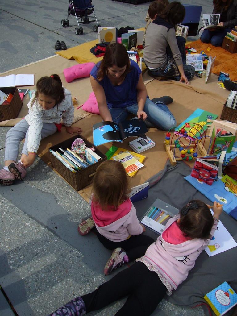 «  L'enfant et l'artiste habitent le même pays.