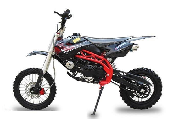 SKY 125cc € 808