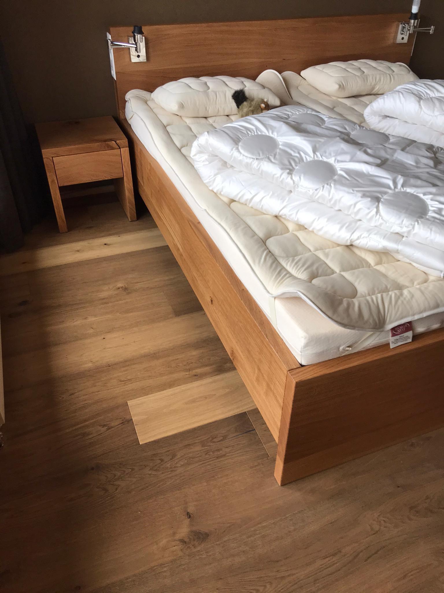 Eichen Bett, rustikal. Alle Verbindungen ohne Metall!