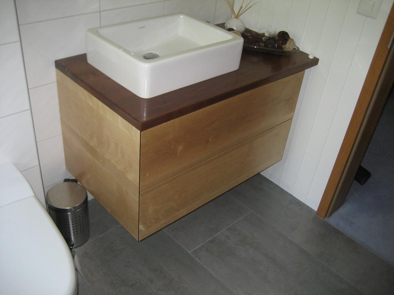 Lavabomöbel mit Schubladen aus Akazien und Birkenholz (Grifflos mit Touchfunktion)