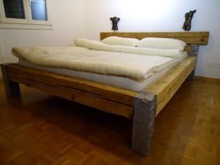Bett in Altholz mit Gubersteinbein