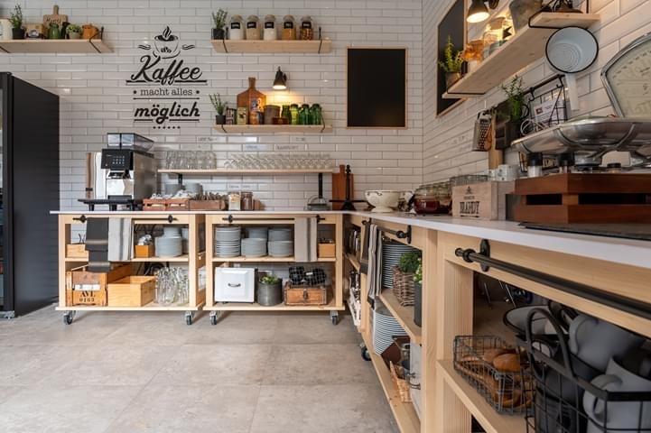 Kaffee Küche, rollend