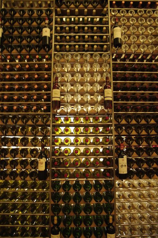 Dans la Maison des vins