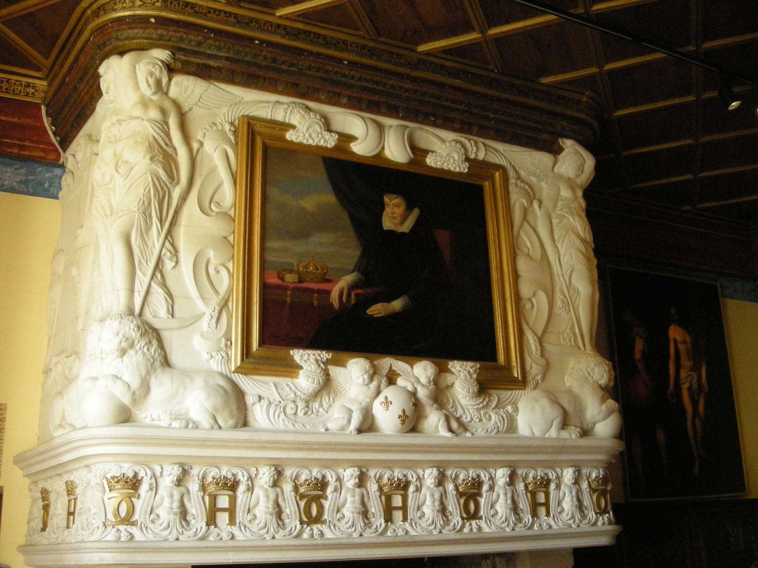 Cheminée de la Chambre de Diane de Poitiers.