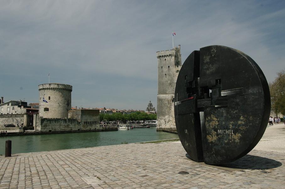 Monument à la mémoire de Michel Crépeau