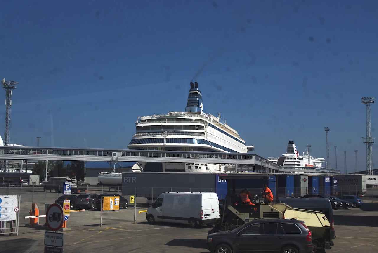 Le port et les navires de croisières