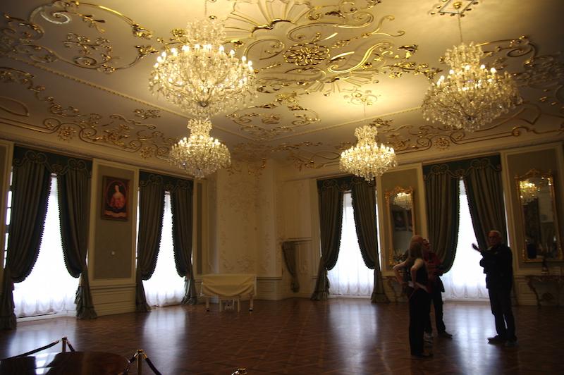 Salle des fêtes : château de Mir.