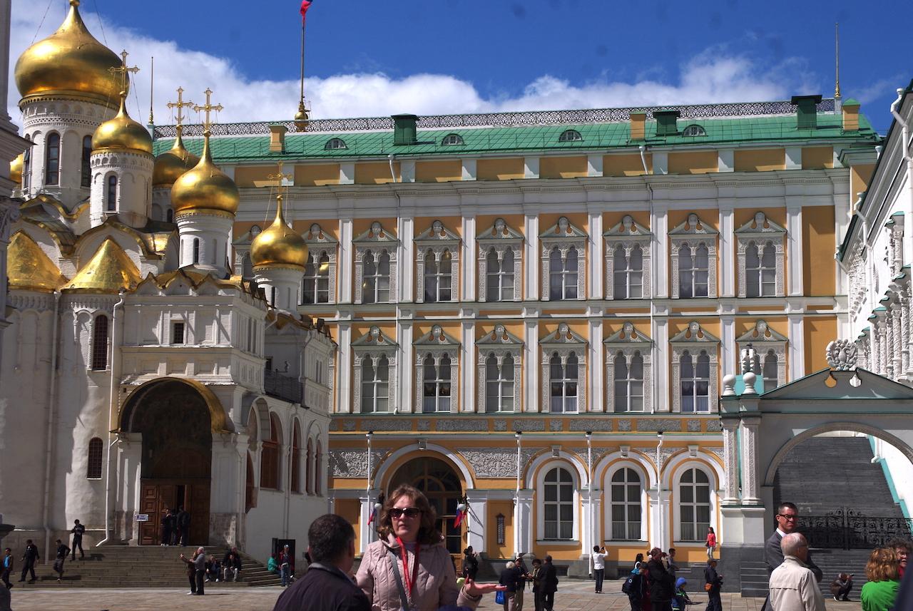 La Cathédrale de l'Annonciation et le Grand Palais du Kremlin.