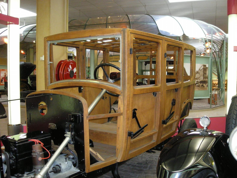 Structure en bois d'un véhicule