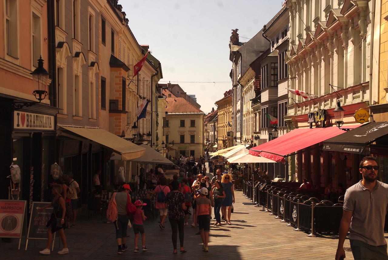 Une des principales rues piétonnières