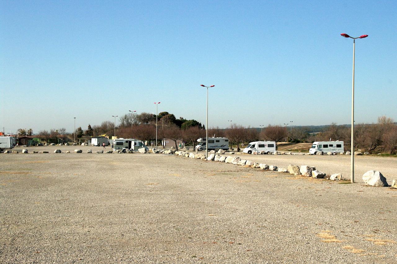 L'aire réservée aux camping cars, en hiver !