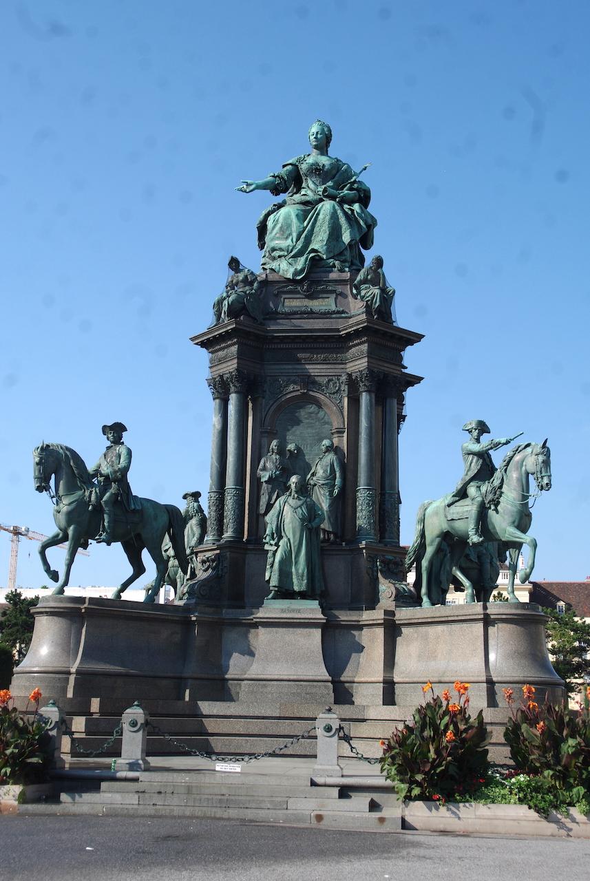 L' Impératrice MarieThérèse,  archiduchesse d'Autriche, reine de Hongrie, Bohème,  Croatie