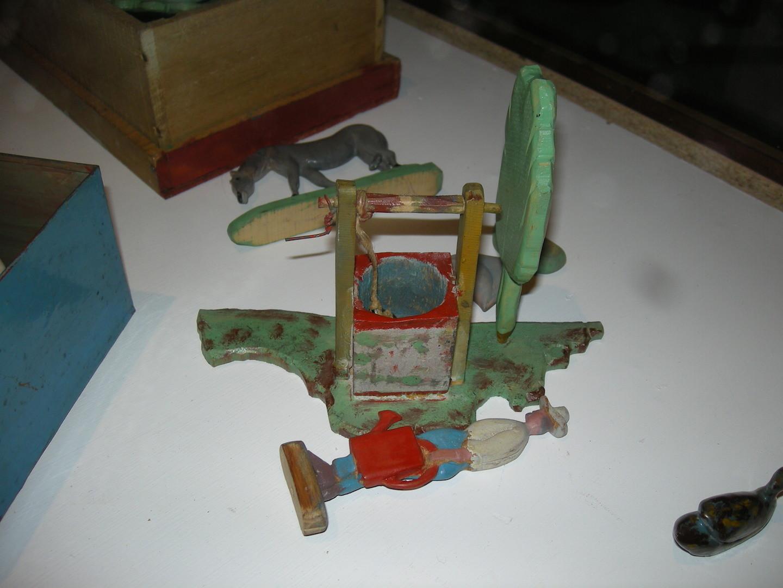 Des jouets pour sa petite fille Ghislaine.