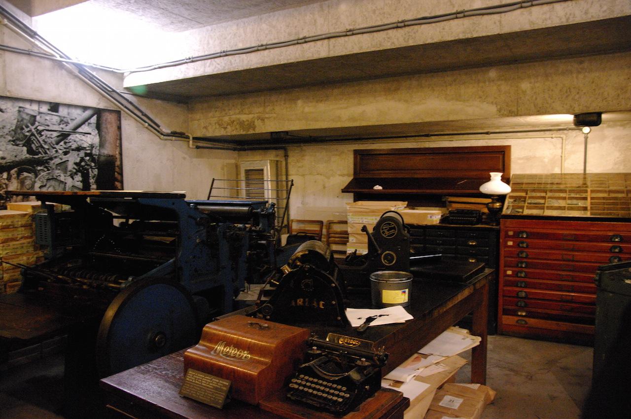 Reconstitution de l'imprimerie clandestine
