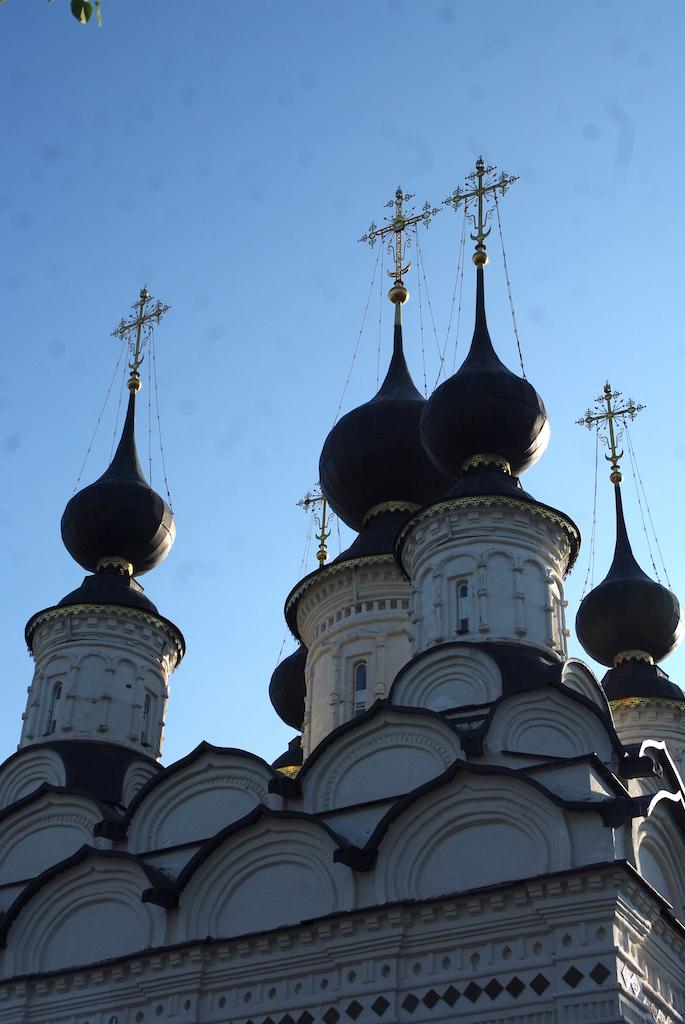 Détail : on distingue bien le croissant musulman dominé par la croix orthodoxe