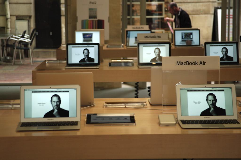 Apple store de Bordeaux, jour du décès de Steve Jobs