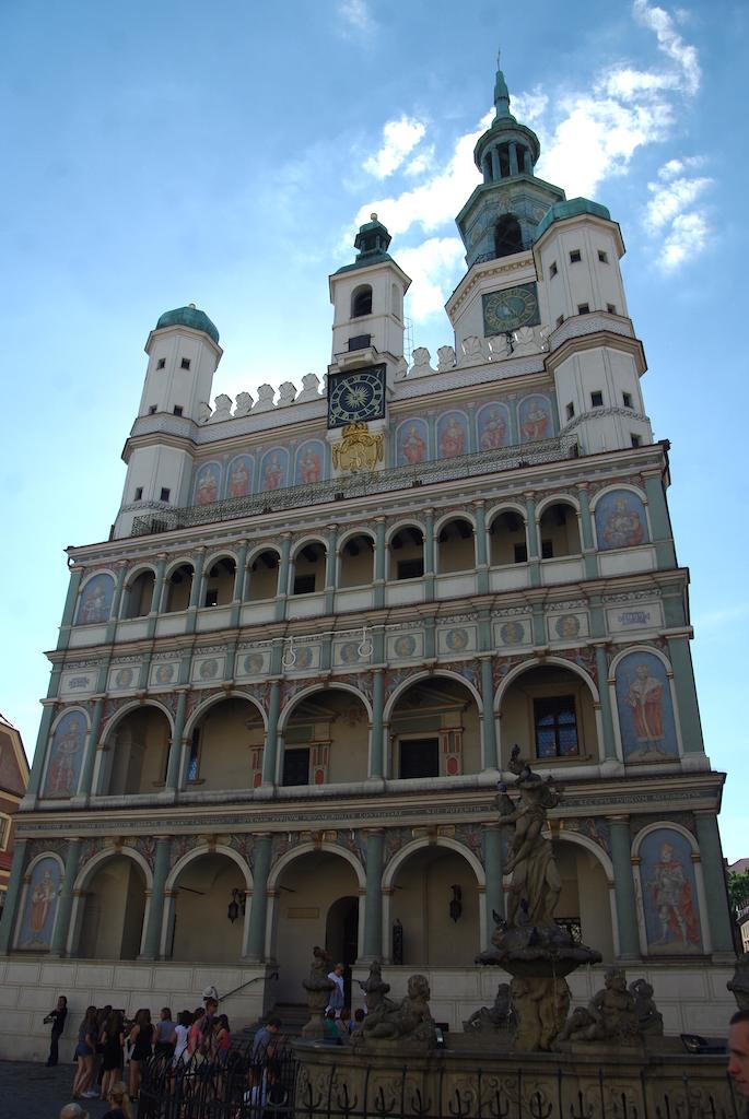 La façade de l'Hôtel de Ville.