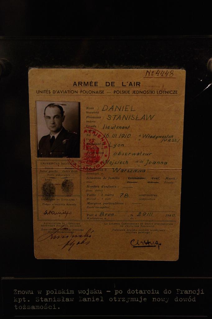 Carte d'identité d'un aviateur français
