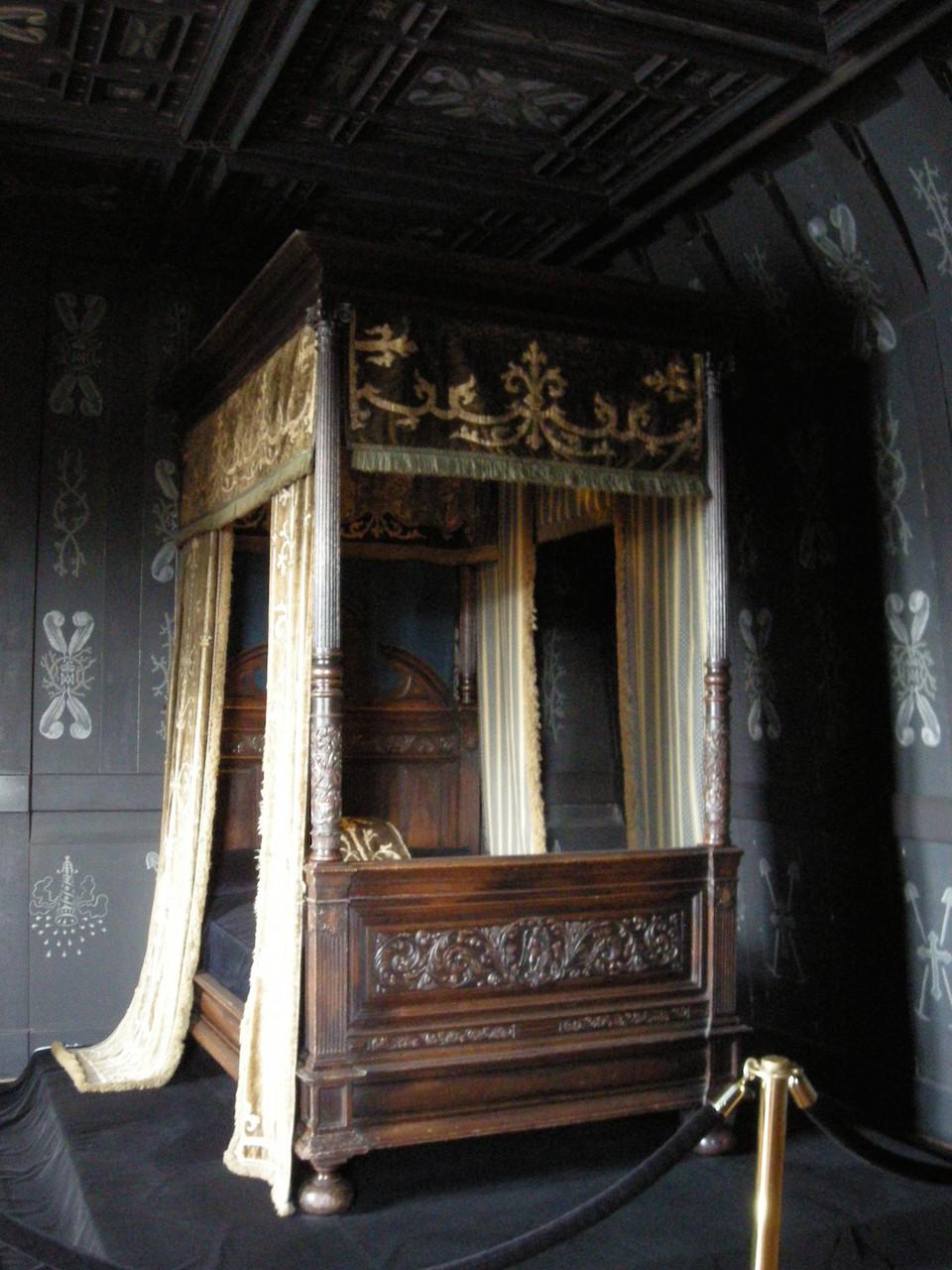 Chambre de Louise de Lorraine, épouse inconsolable de Henri III.