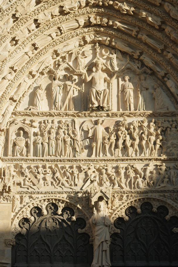"""Le portail central du """"jugement dernier"""""""