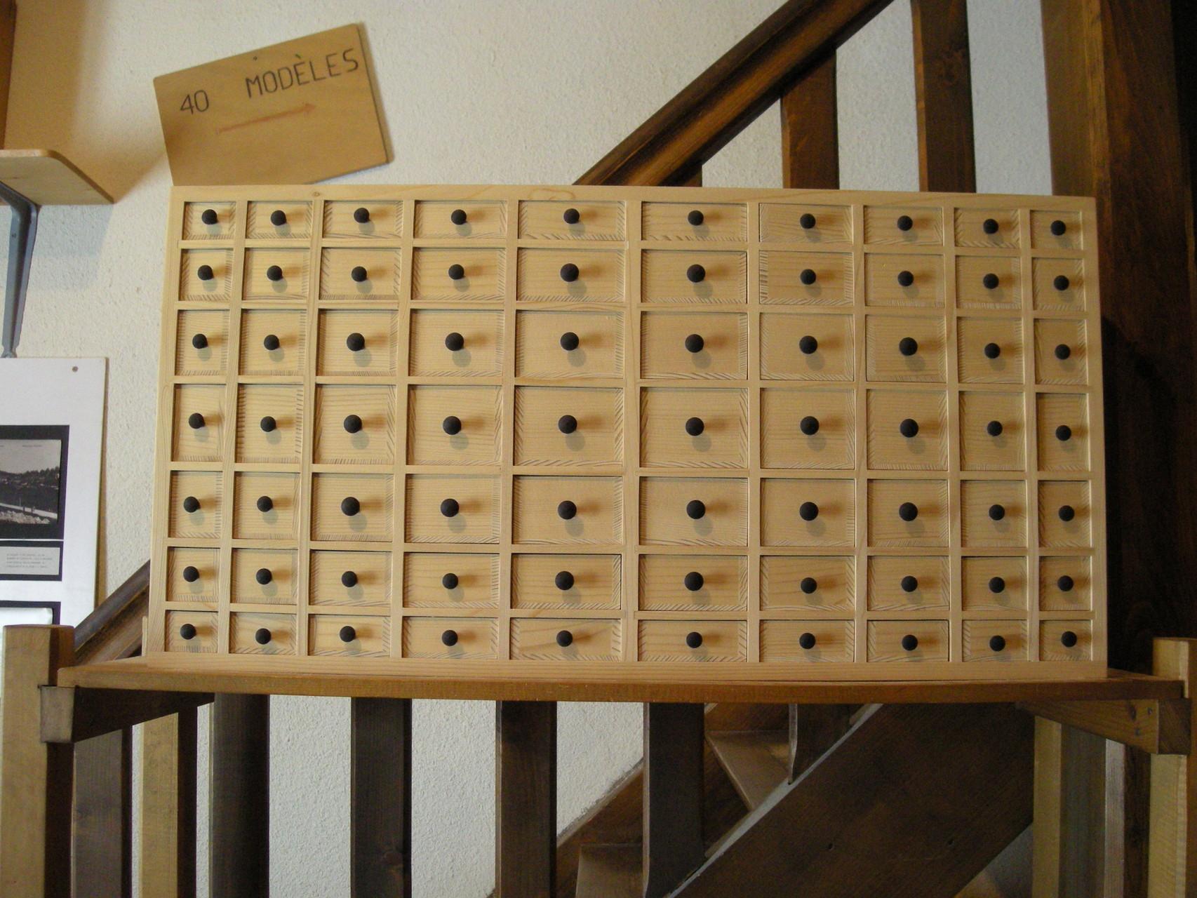 70 tiroirs ! cadeau pour les 70 ans d'un papy.