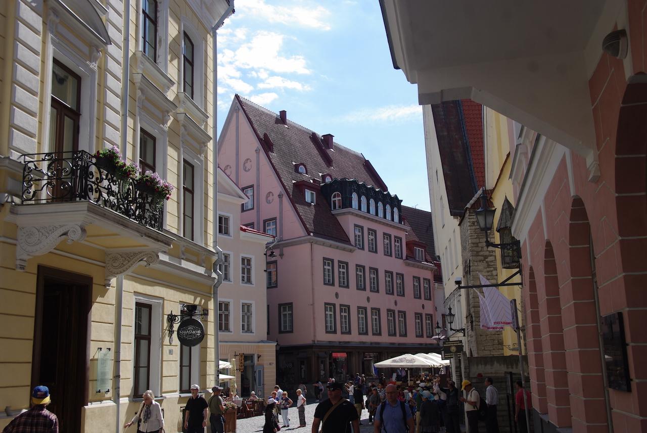 Près de la place de l'Hôtel de Ville