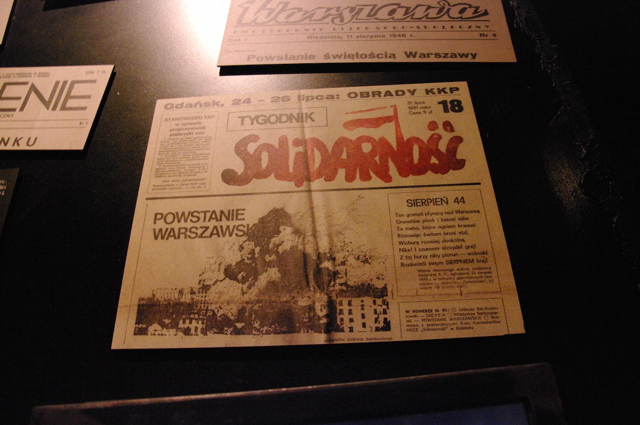 Près de 40 ans plus tard, Solidarnosc publie enfin une autre version de l'insurrection...