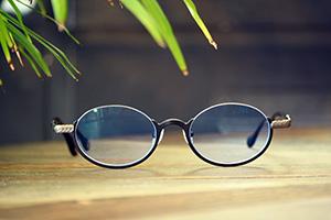 ◎フレーム:AKITTO/ami-n ◎レンズ:Ito Lens/FFiQ1.60薄型遠近両用レンズ