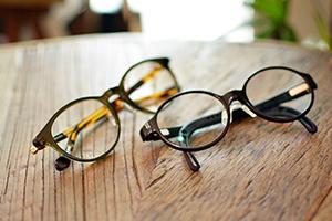 ◎フレーム:(左)Turning Step(右)TOMATO GLASSES ◎レンズ:Ito Lens