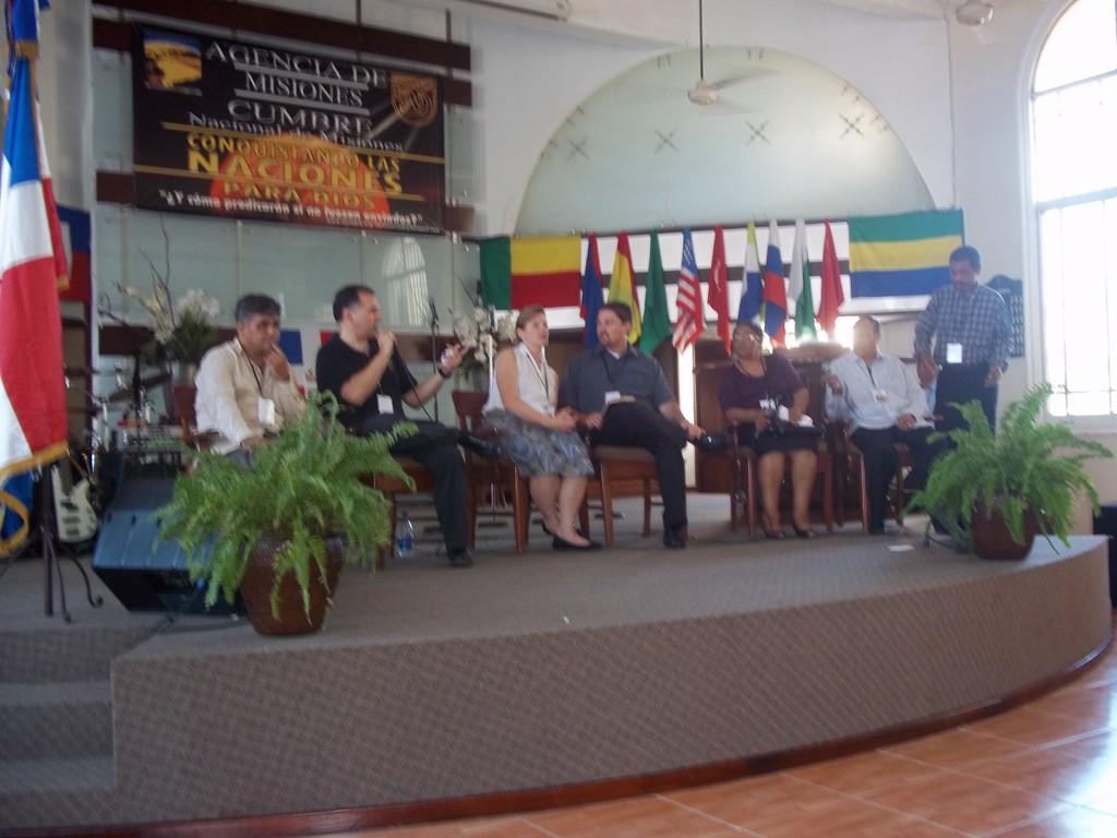 Participacion en el Foro de la Cumbre Nac RD