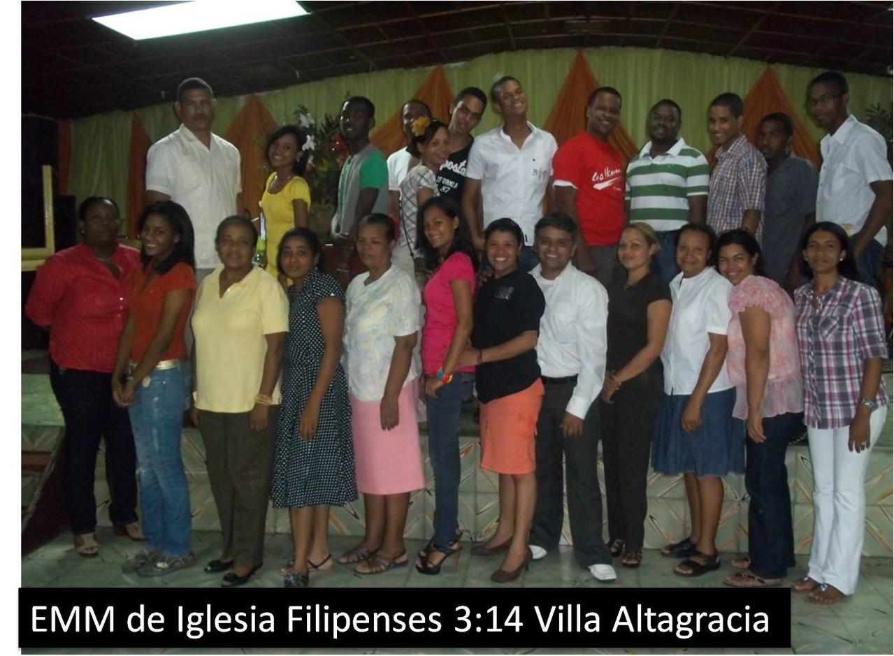 Estudiantes de la Escuela de Movilizadores de Villa Altagracia