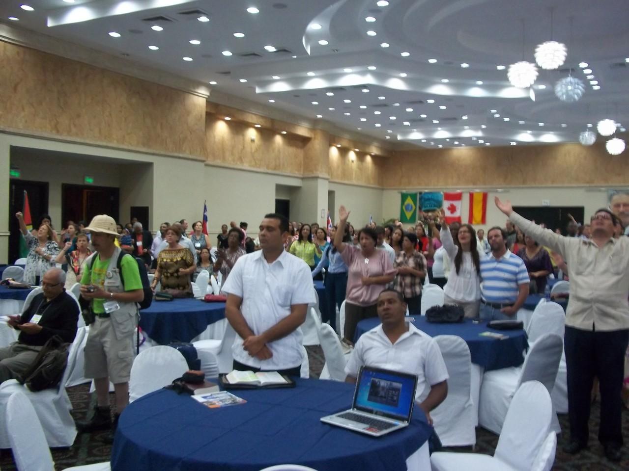 La multitud en la Cumbre