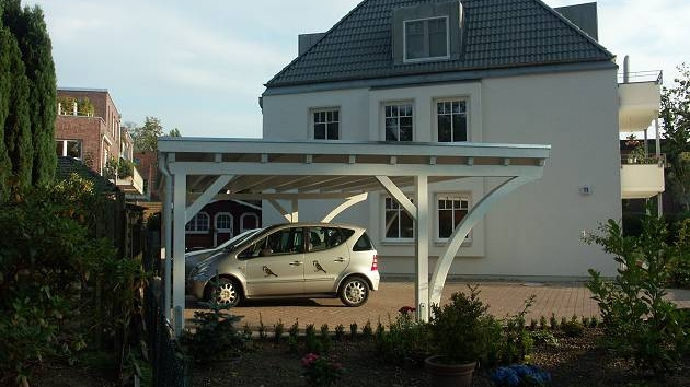 Beispiel Nr. SORC26.2   Zu einer schönen Villa gehört natürlich auch ein schönes Carport. LIPPE-Carport MONZA due für 3 PKW