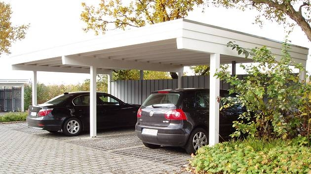 Beispiel Nr. SORC20.3   100cm zurückversetzte Pfosten ermöglichen ein bequemeres Ein- und Ausparken.