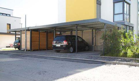 Beispiel-Nr. STRC19    Reihencarport für 4 PKW. Außerdem wurde noch eine 2-Rad Garage integriert.