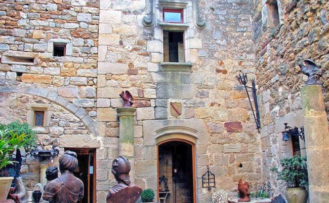 Vinezac, village médiéval de caractère en sud Ardèche