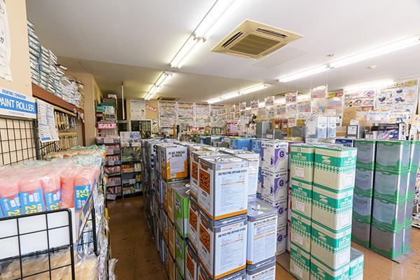 武田ペイント店舗内部の様子