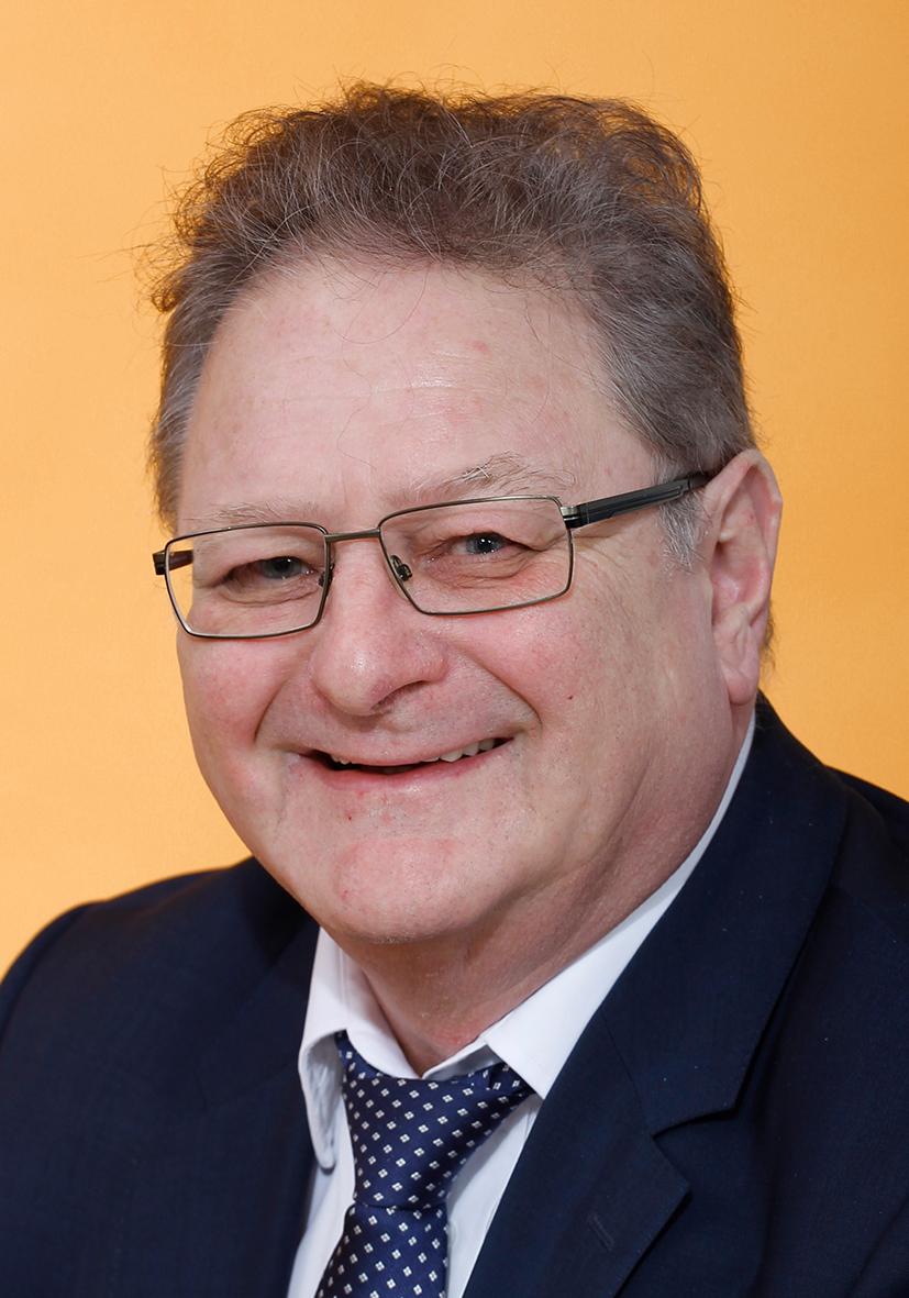 3. Jürgen Volpp, Geschäftsführer: zum Lebenslauf auf Bild clicken