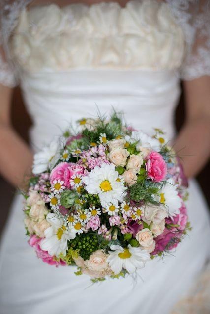 Brautstrauß Nostalgie-Hochzeit Christine Hohenstein Alchemilla Waltraud Riedl
