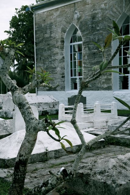 Katholische Kirche mit Friedhof