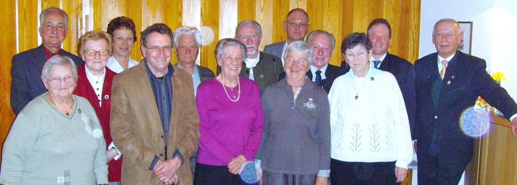 Für langjährige Mitgliedschaft wurden geehrt:  Maria Betz und Kurt Rapp (50 Jahre), Martina Betz, Philipp Betz, Brunhilde Ermer, Dorothea Fürner, Erich Jagau, Liane Jagau, und Paul Kallenberger (40 Jahre), Margarete Zilke und Udo Zilke (25 Jahre)