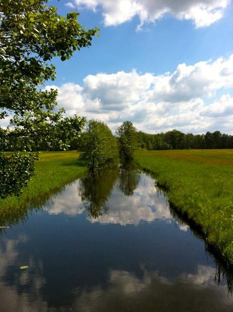 Über Flüsse und Kanäle hinweg