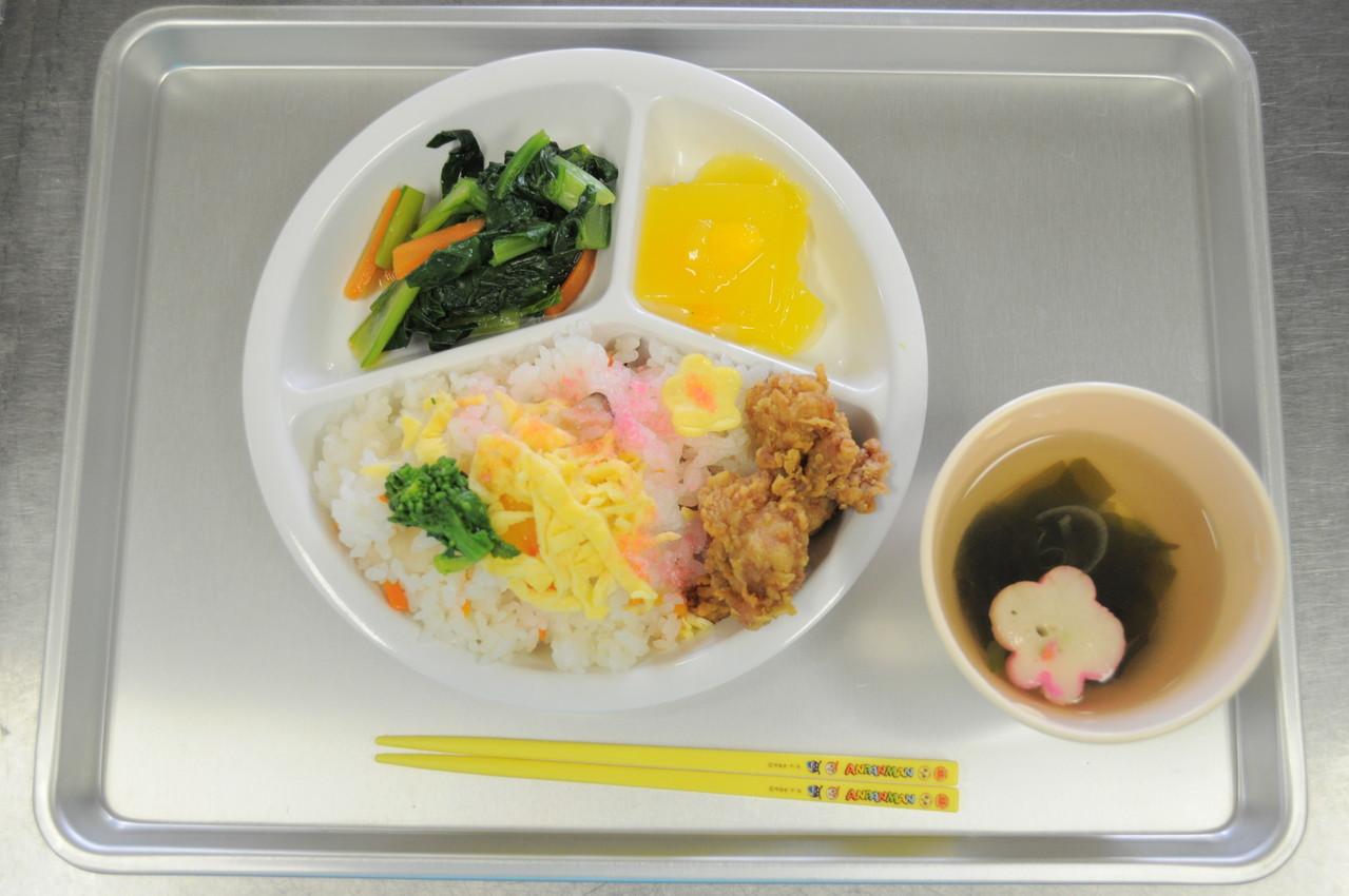 菜の花寿司と鶏の唐揚げ・小松菜のお浸し・お吸物・オレンジゼリー