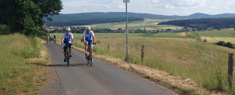Radsportler im schöner Landschaft