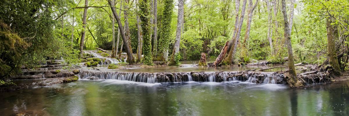 Une balade le long de la rivière Vers et sur les falaises du village de Vers