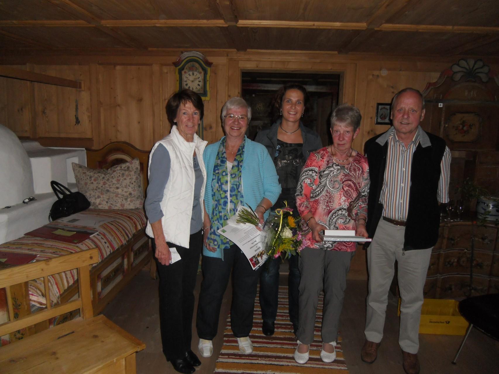 Gäste-Ehrungen Frau Schickel 94x und Fam. Seeger 37x zu Gast bei uns.